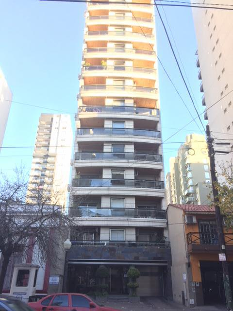 Foto Departamento en Venta en  Lomas de Zamora Oeste,  Lomas De Zamora  COLOMBRES 454 e/ Av. H. Yrigoyen y Sarmiento