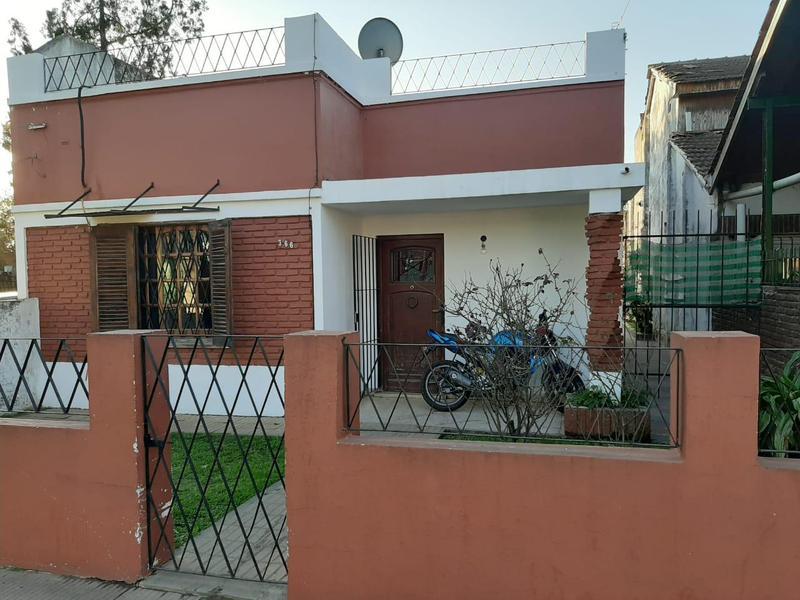 Foto Casa en Venta en  Ezeiza ,  G.B.A. Zona Sur  San Lorenzo 366