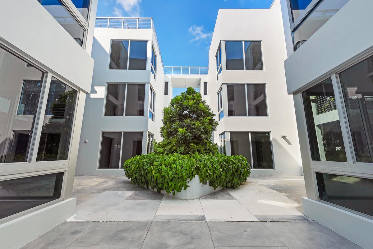 Foto Casa en condominio en Venta en  Miami-dade ,  Florida    529 SW 11th Street # 106 MIAMI, FL 33129
