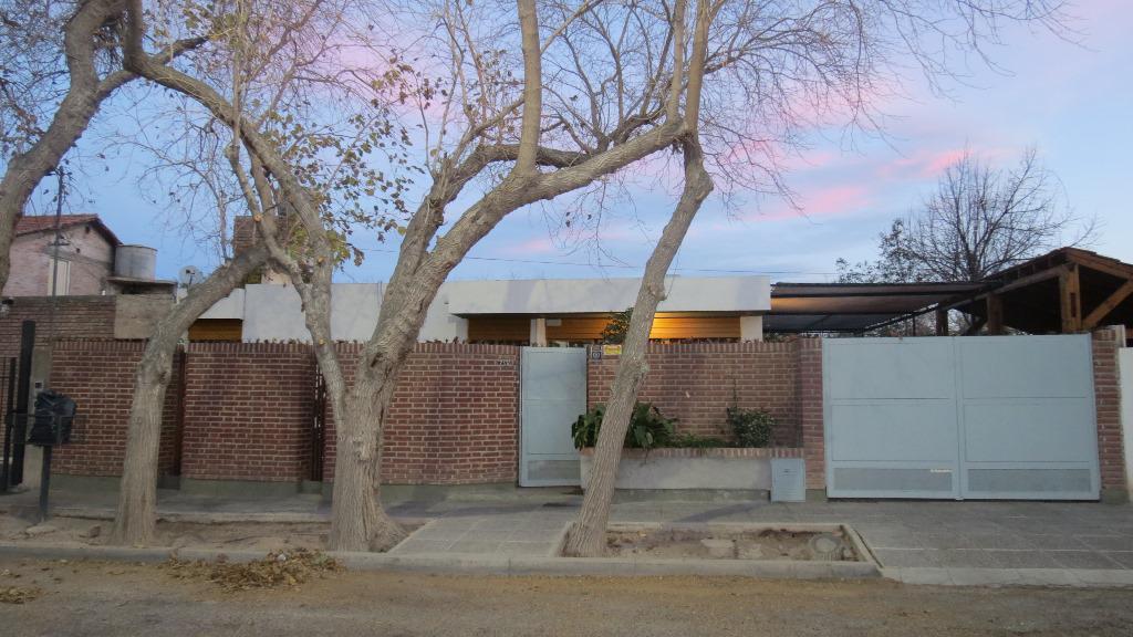 Foto Casa en Alquiler en  Capital ,  San Juan  Francisco de Miranda al 2000