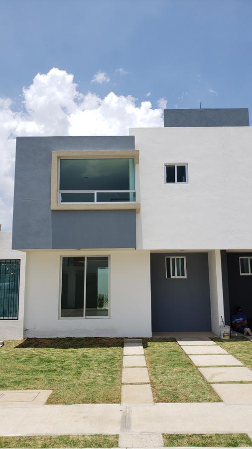 Foto Casa en Venta en  El Potrero,  Morelia  FRACC PASEO ALEJANDRINAS MODELO  PAULINA 01