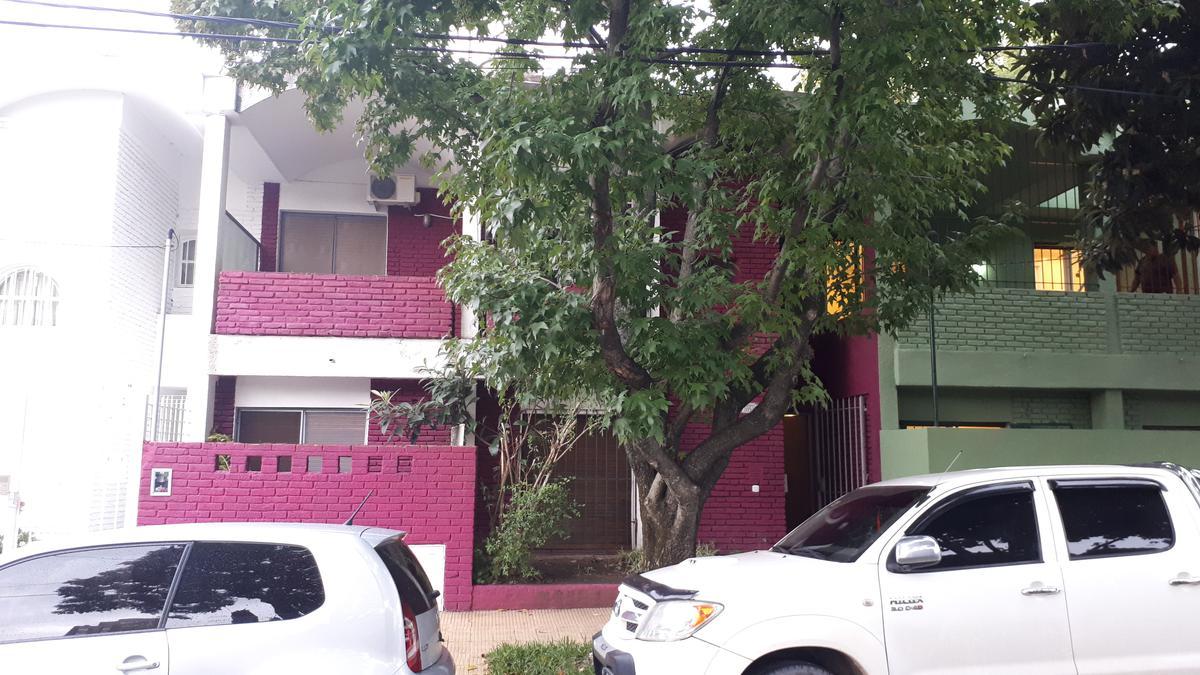 Foto Casa en Alquiler en  La Lucila-Vias/Maipu,  La Lucila  Catamarca N° 3894, La Lucila, Vicente López.