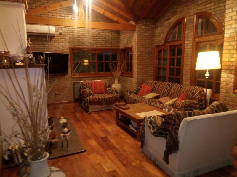 Lala white casa en alquiler en los rosales casa en for Alquiler de casas en rosales sevilla