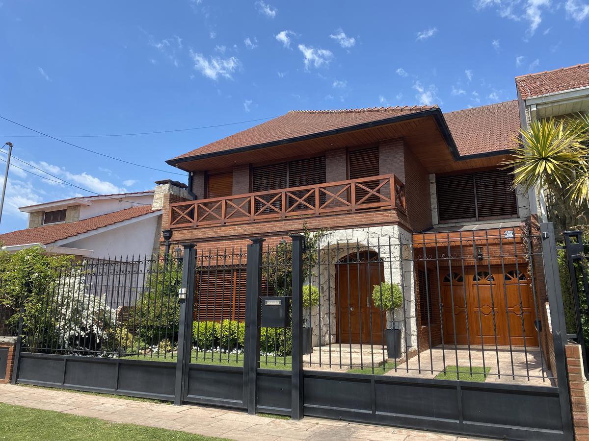 Foto Casa en Venta en  P.Luro,  Mar Del Plata  Berutti 4760, entre Don Bosco y Neuquén
