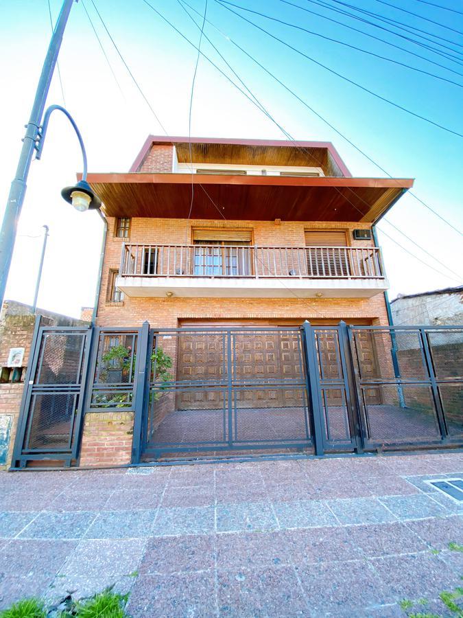 Foto Casa en Venta en  S.Fer.-Vias/Panam,  San Fernando  Madero al 2100 Casa multifamiliar!