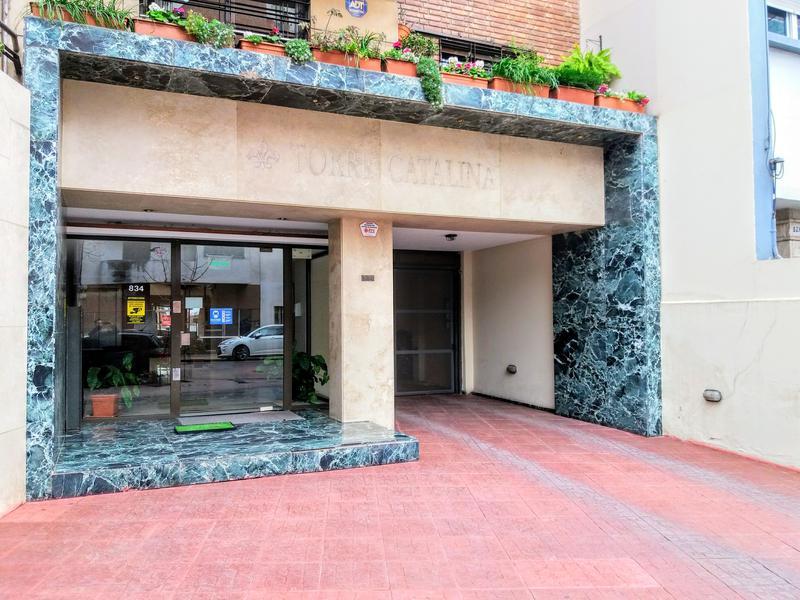 Foto Cochera en Venta en  Nueva Cordoba,  Capital  Independencia al 834