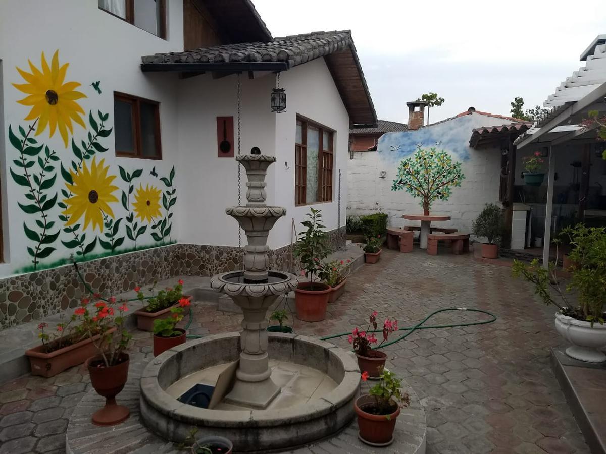Foto Casa en Venta en  Mitad del Mundo,  Quito  La Pampa