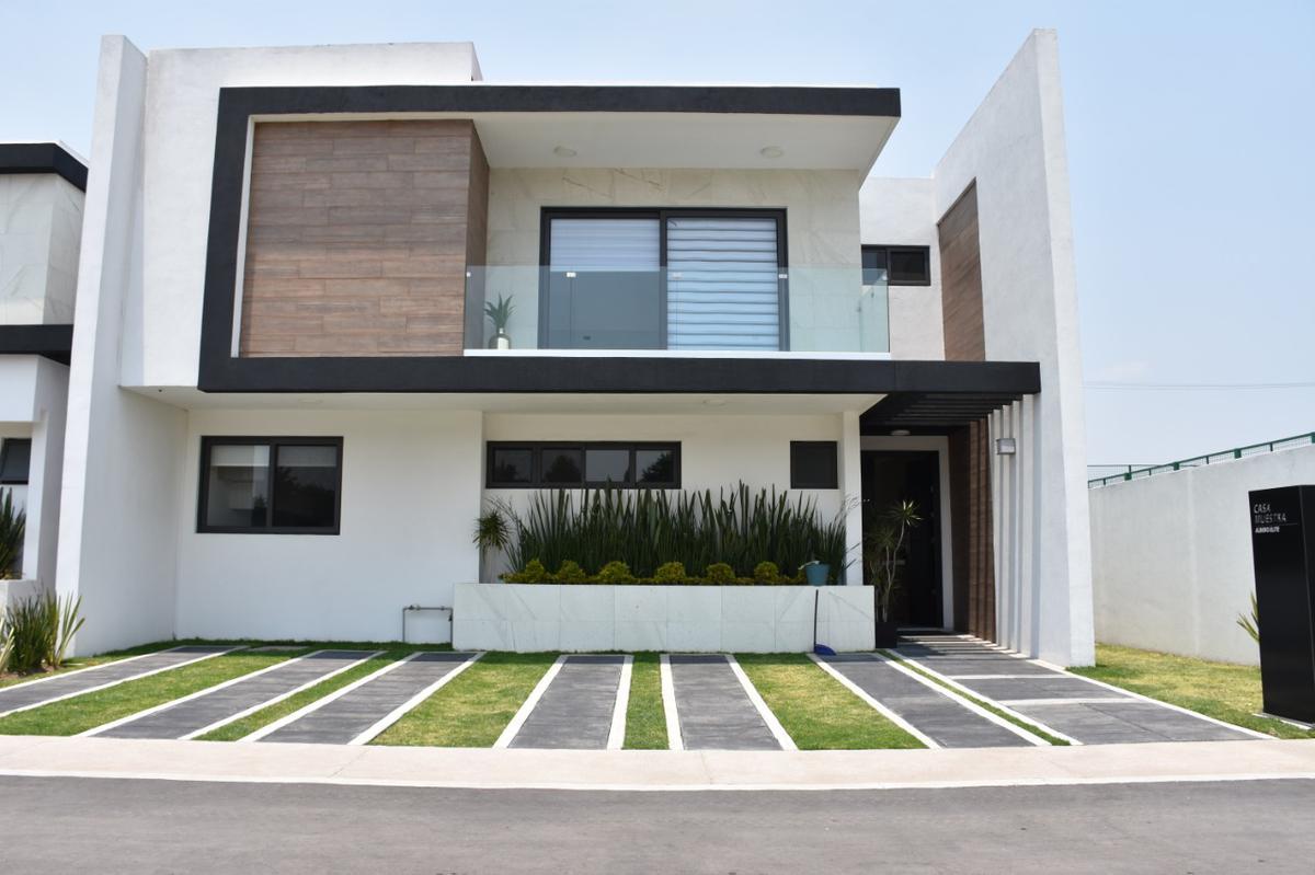 Foto Casa en condominio en Venta en  San Lorenzo Coacalco,  Metepec  Residencial Alboreto