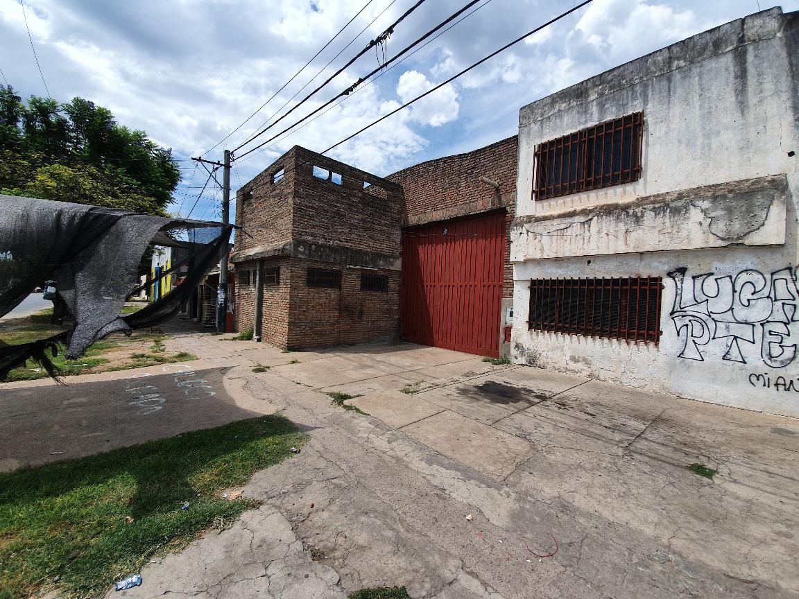 Foto Galpón en Venta en  Rosario ,  Santa Fe  Av. Battle y Ordoñez al 600