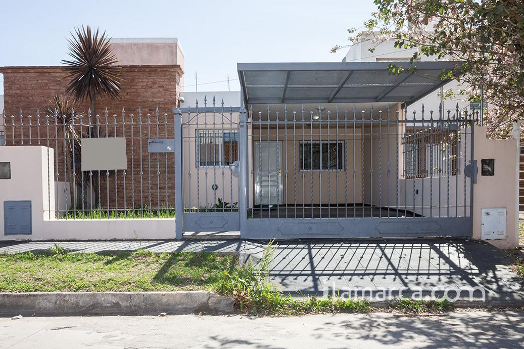 Foto Casa en Venta en  Nuevo Poeta Lugones,  Cordoba Capital   Olgorozco  al 2700