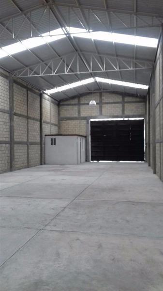 Foto Bodega Industrial en Renta en  Buenavista,  Toluca  BODEGA COMERCIAL EN RENTA EN TOLUCA  CERCA GM