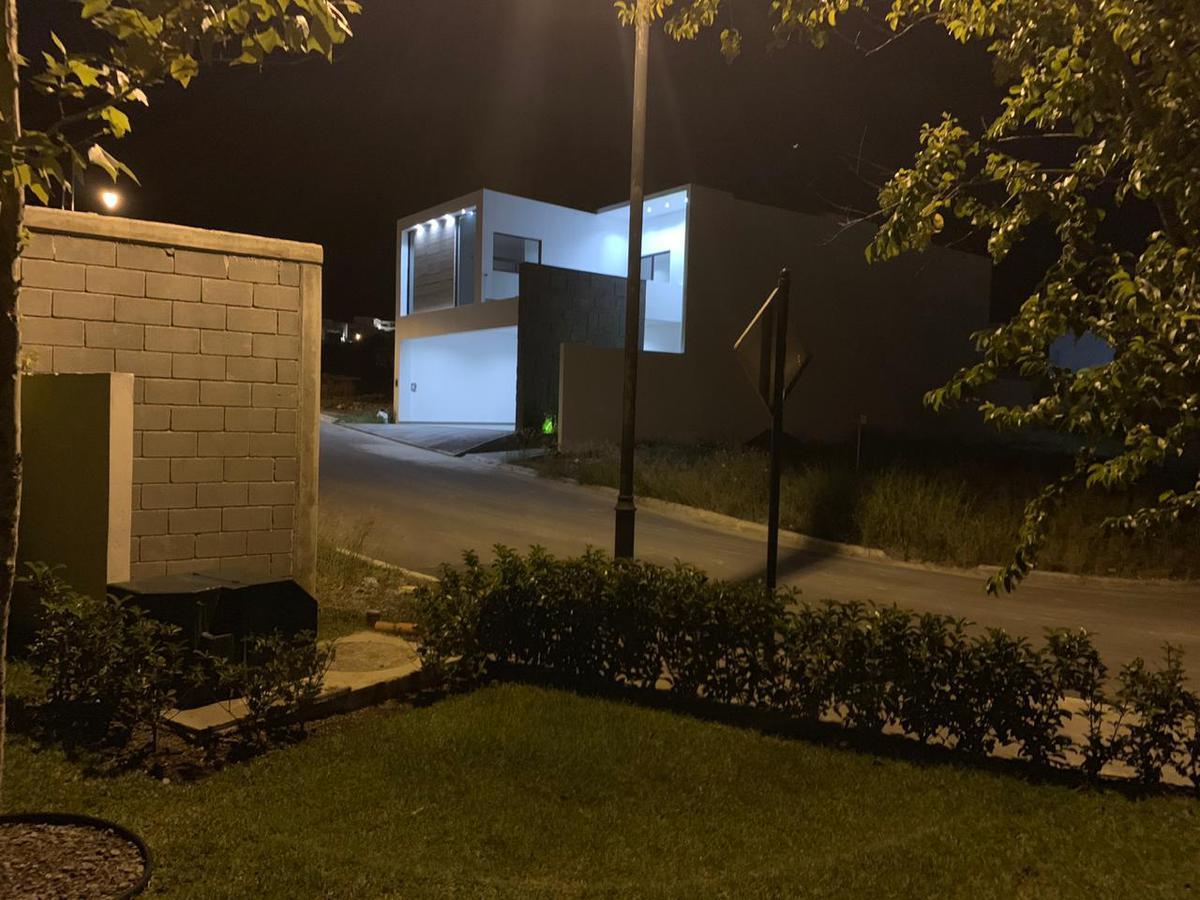 Foto Casa en Venta en  El Uro,  Monterrey  Aires del Vergel