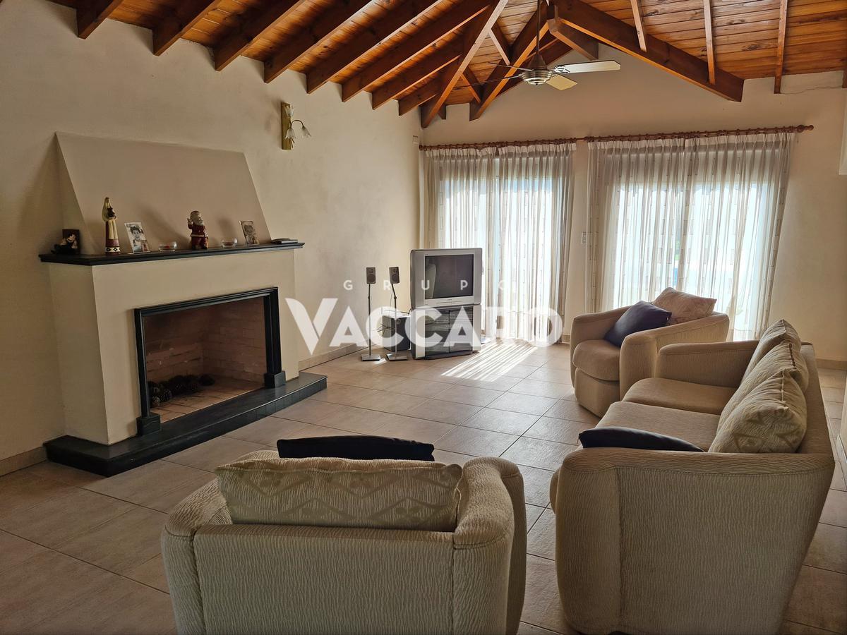 Foto Casa en Venta en Almafuerte  al 1400, Moreno   Countries/B.Cerrado (Moreno)   Campos De Alvarez