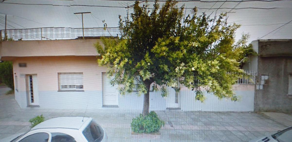Foto Casa en Venta en  San Justo,  La Matanza    Peru 1191