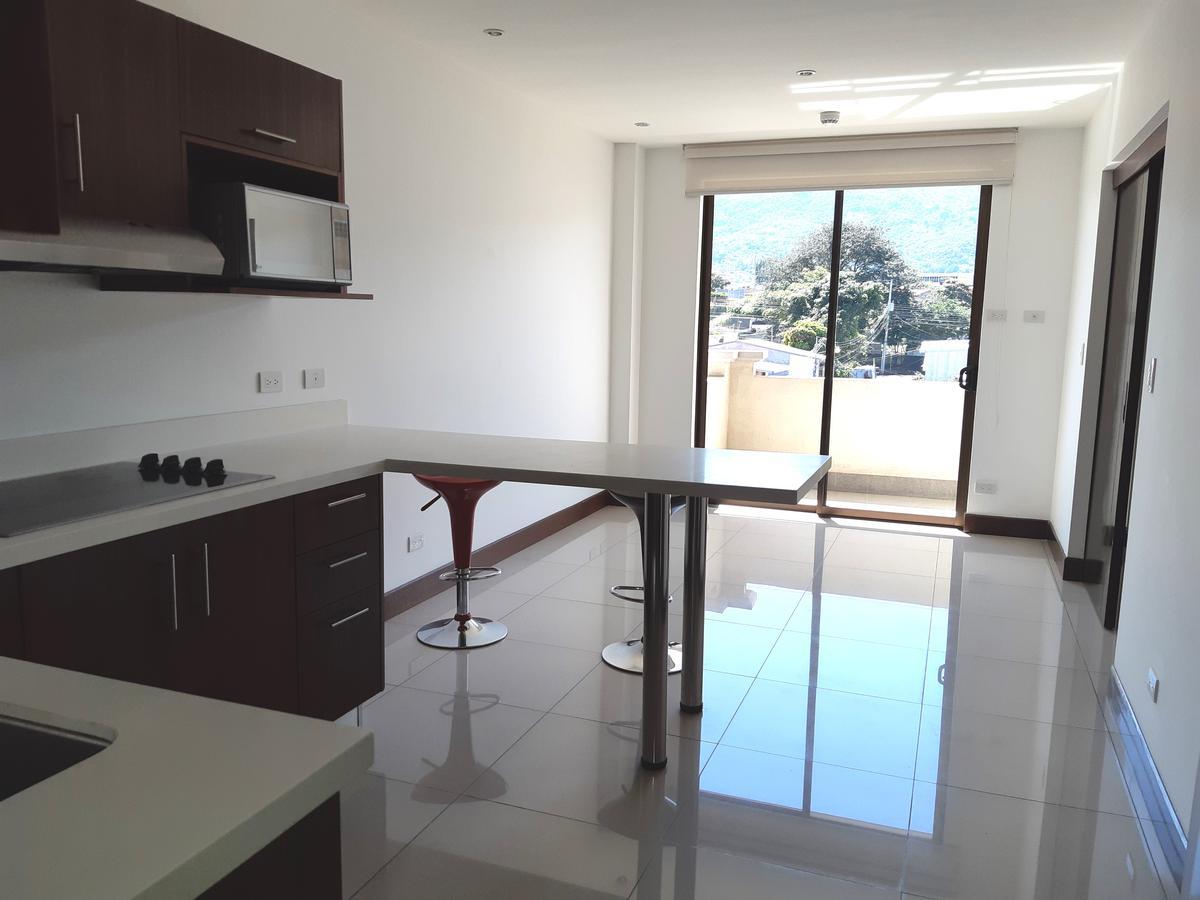 Foto Departamento en Venta | Renta en  Pozos,  Santa Ana  Apartamento en Santa Ana/ Línea Blanca/ Piscina