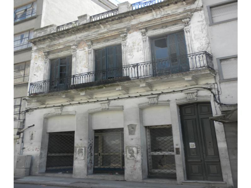 Foto Casa en Alquiler en  Ciudad Vieja ,  Montevideo  Cerrito y Juan Carlos Gomez - El Bajo de Ciudad Vieja