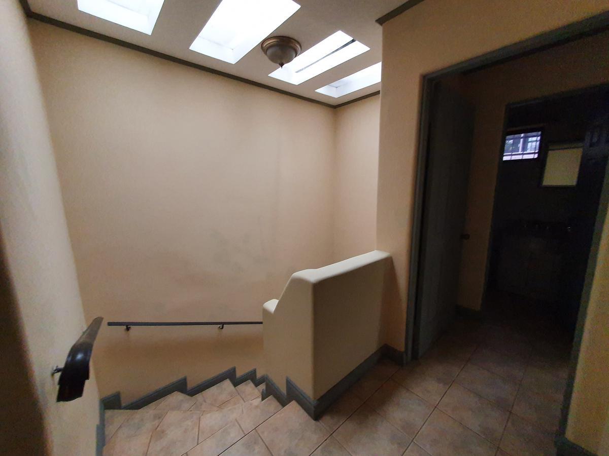 Foto Casa en condominio en Renta en  San Rafael,  Escazu  Amueblada / Jardín / Vista