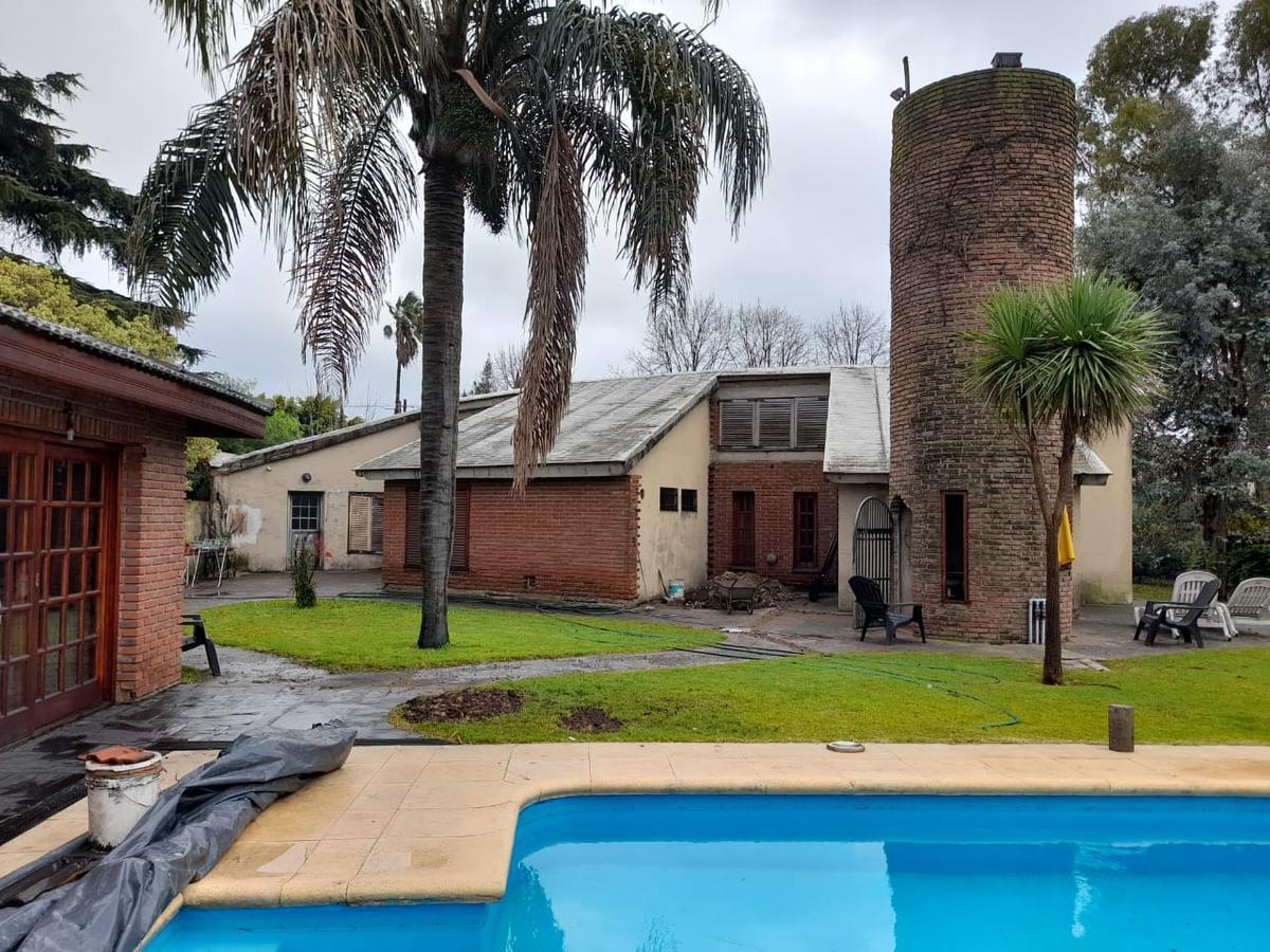 Foto Casa en Venta en  Luis Guillon,  Esteban Echeverria  Cardeza N° al 1900