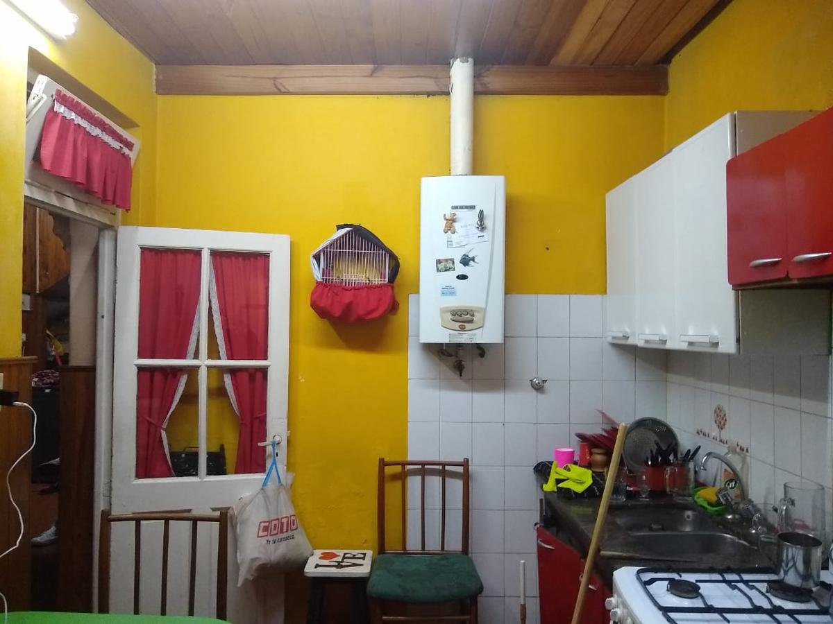 Foto PH en Venta en  Avellaneda ,  G.B.A. Zona Sur  Estrada 1091