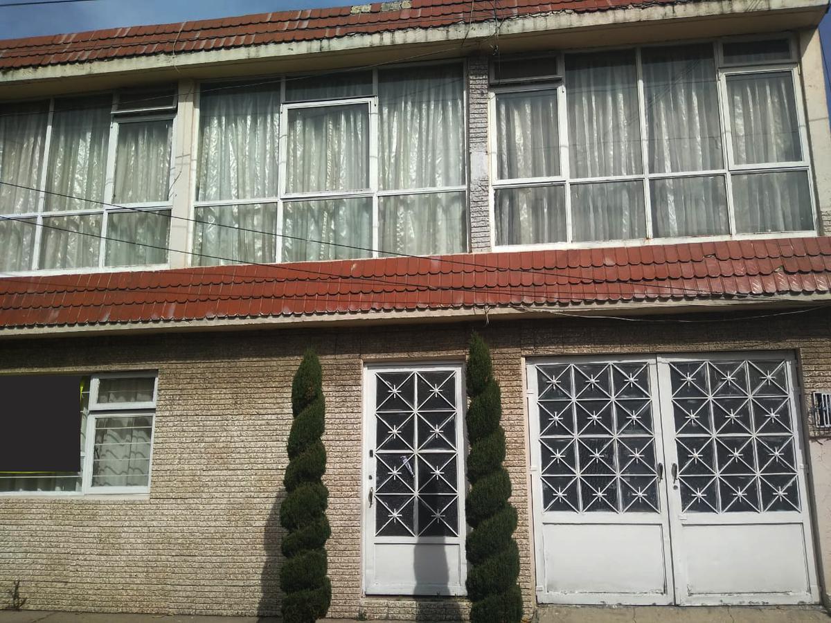 Foto Casa en Venta en  San Bernardino,  Toluca  CASA EN VENTA 5 RECAMARAS Col. San Bernardino Toluca
