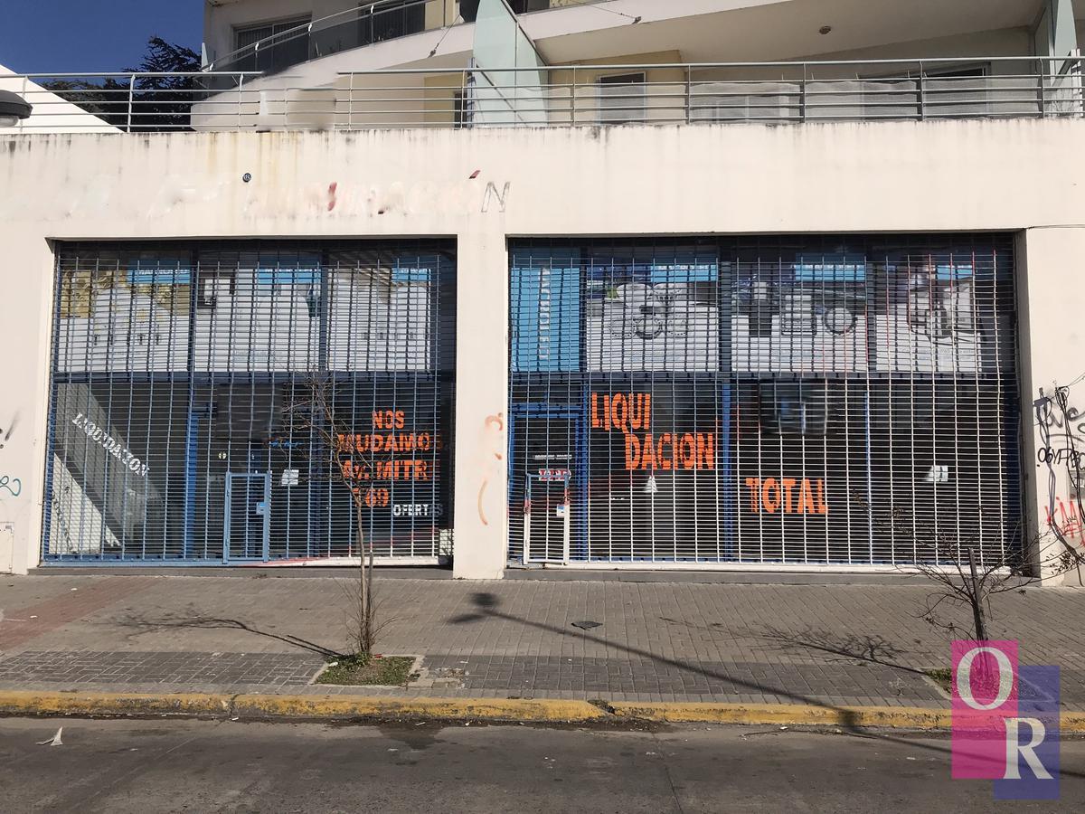 Foto Local en Alquiler en  Berazategui,  Berazategui  Av. Mitre N° 1023 e/ 10 y 11