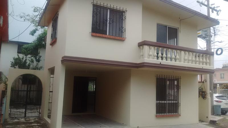 Foto Casa en Venta en  Jardín 20 de Noviembre,  Ciudad Madero  CASA EN COL. JARDIN 2O DE NOVIEMBRE