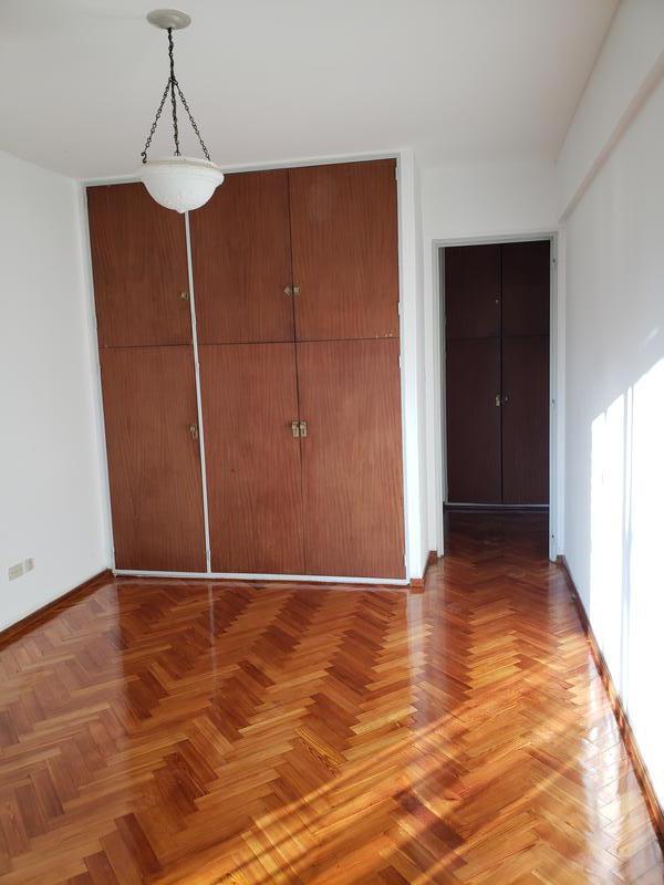 Foto Departamento en Venta en  Vicente López ,  G.B.A. Zona Norte  Penna  700