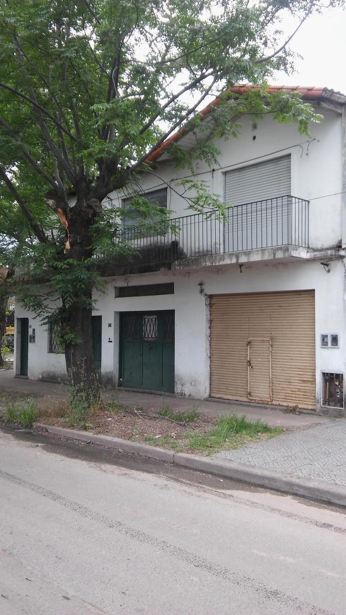 Foto Casa en Venta en  Ciudad Jardín El Libertador,  General San Martin  San Martín 6000