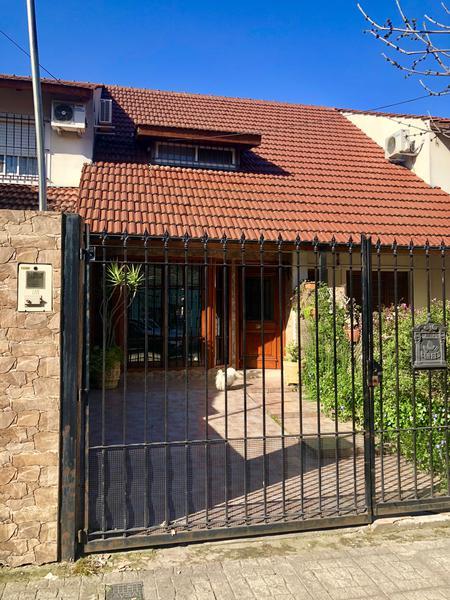 Foto Casa en Venta en  Monte Grande,  Esteban Echeverria  Lavalle al 400