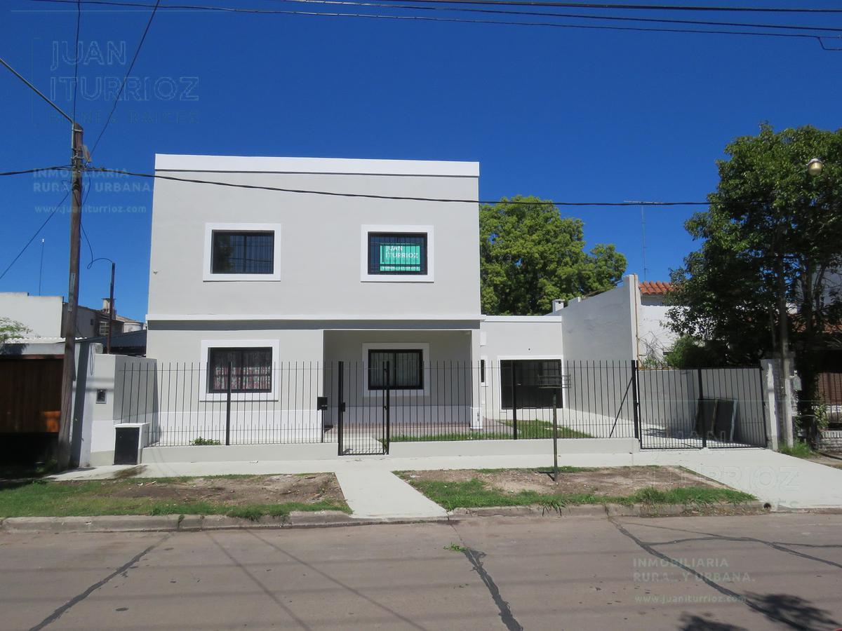 Foto Casa en Venta en  City Bell,  La Plata  19 entre 472 y 473