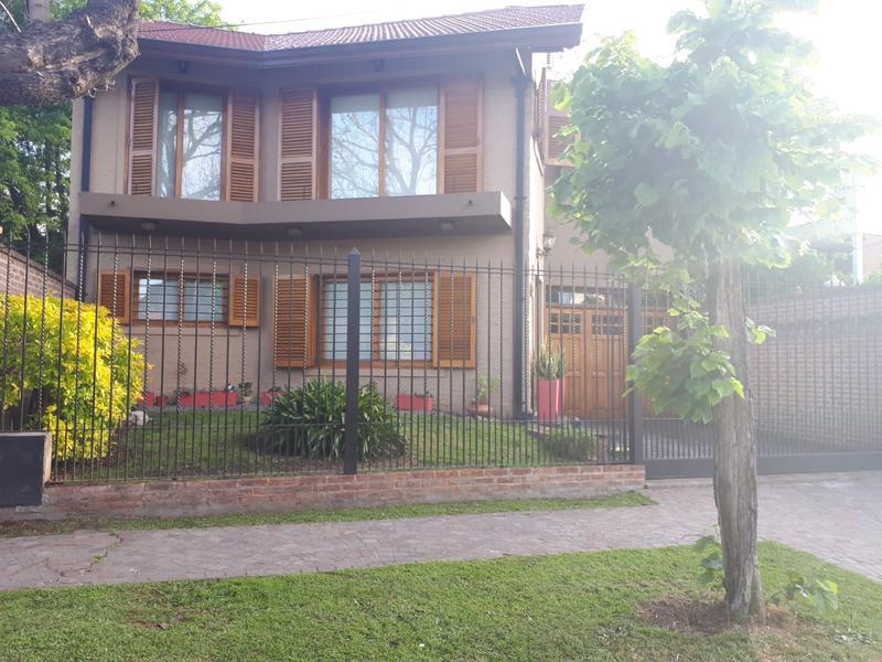 Foto Casa en Venta en  Monte Grande,  Esteban Echeverria  Miguel Cane al 400