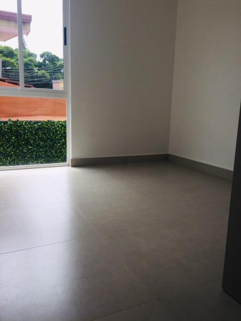 Foto Casa en condominio en Venta en  Pozos,  Santa Ana  Santa Ana / A estrenar / Céntrico / Jardín / Pet Friendly