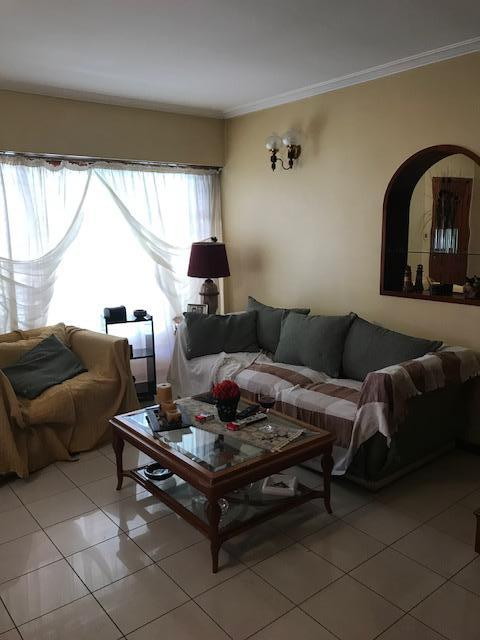 Foto Casa en Venta en  Lomas de Zamora Oeste,  Lomas De Zamora  Saenz al 800