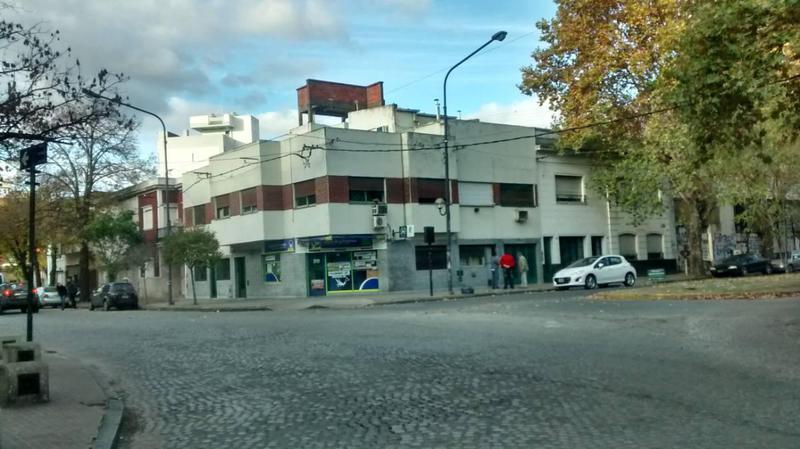 Foto PH en Venta en  La Plata,  La Plata  Avenida 1 1684