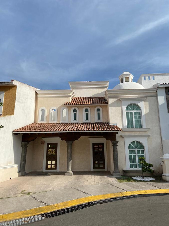 Foto Casa en Renta en  Claustros del Marques,  Querétaro  CASA RENTA FRACC. CLAUSTROS DE SANTIAGO CENTRO SUR QRO. MEX.