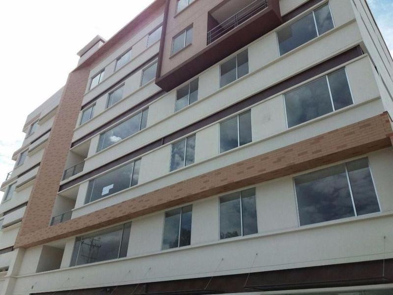 Foto Departamento en Venta en  Norte de Quito,  Quito  Estrene - Hermosa Suite con Balcón - 1.5 Baños sector El Inca