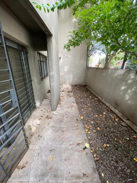 Foto Departamento en Venta en  Acas.-Vias/Santa Fe,  Acassuso  Belisario Roldan 57 PB ``A`` Acassuso
