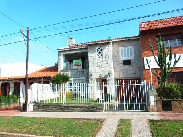 Foto Casa en Venta en  Rosario ,  Santa Fe  J. C. Paz al 1000