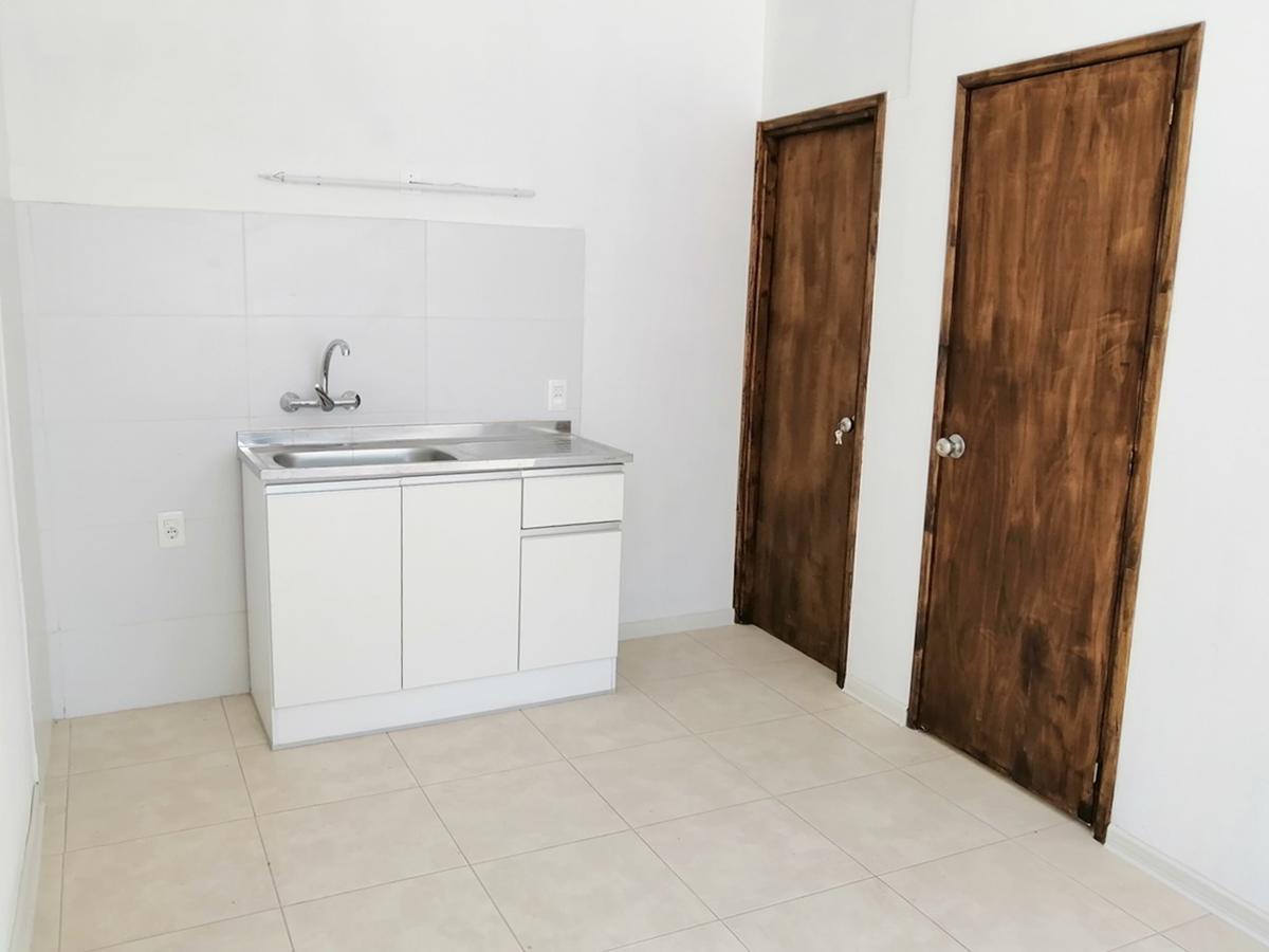 Foto Apartamento en Alquiler en  Peñarol ,  Montevideo  Volta al 4800