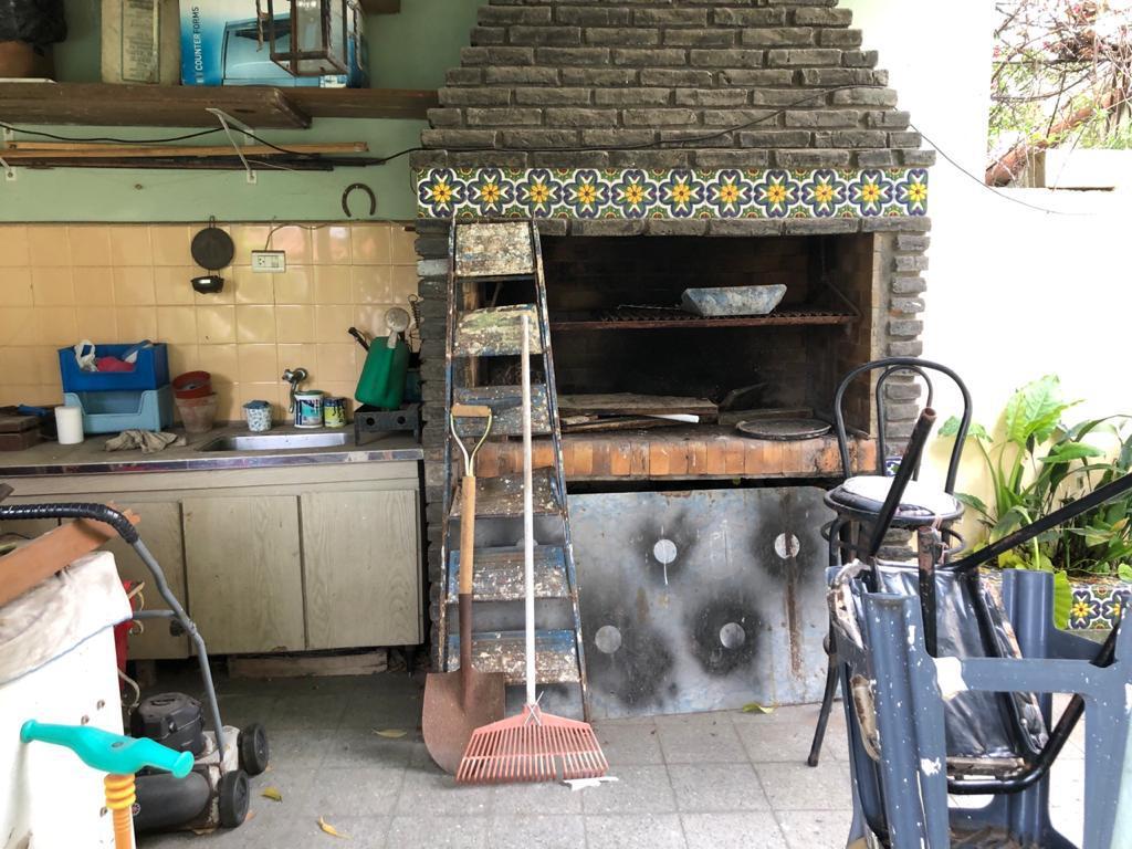 Foto Casa en Venta en  Martinez,  San Isidro  Monseñor Larumbe al 1000