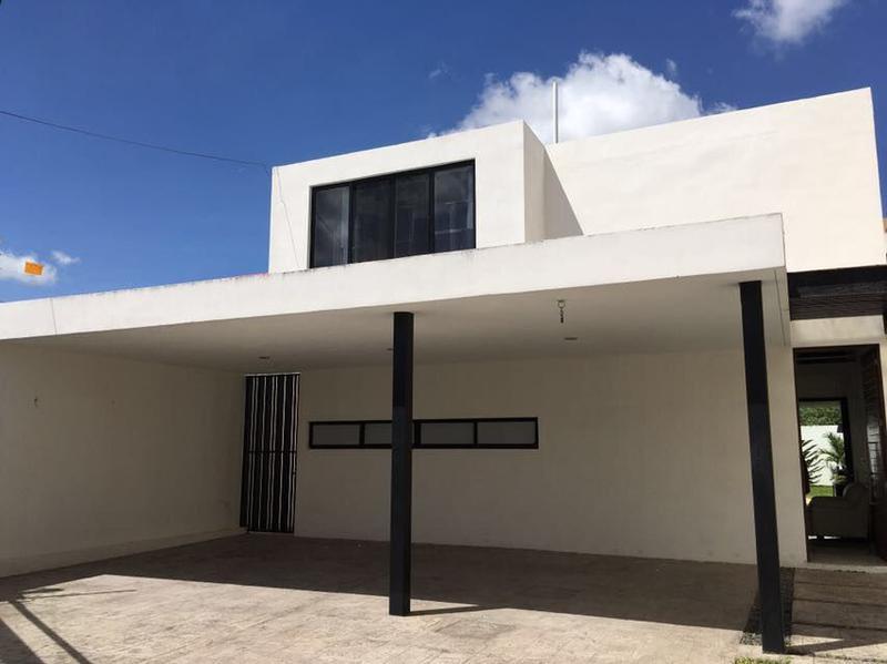 Foto Casa en Venta en  Benito Juárez Nte,  Mérida  EXCLUSIVA CASA BLANCA EN BENITO JUÁREZ NORTE,  MÉRIDA, YUCATÁN
