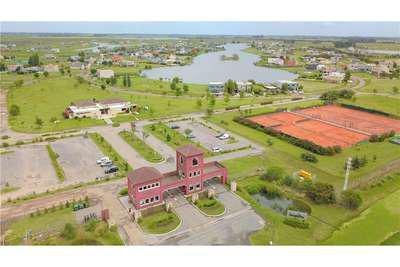 Foto Terreno en Venta en  Country Santa Rita,  Countries/B.Cerrado (San Vicente)  Lote disponible  en Santa Rita