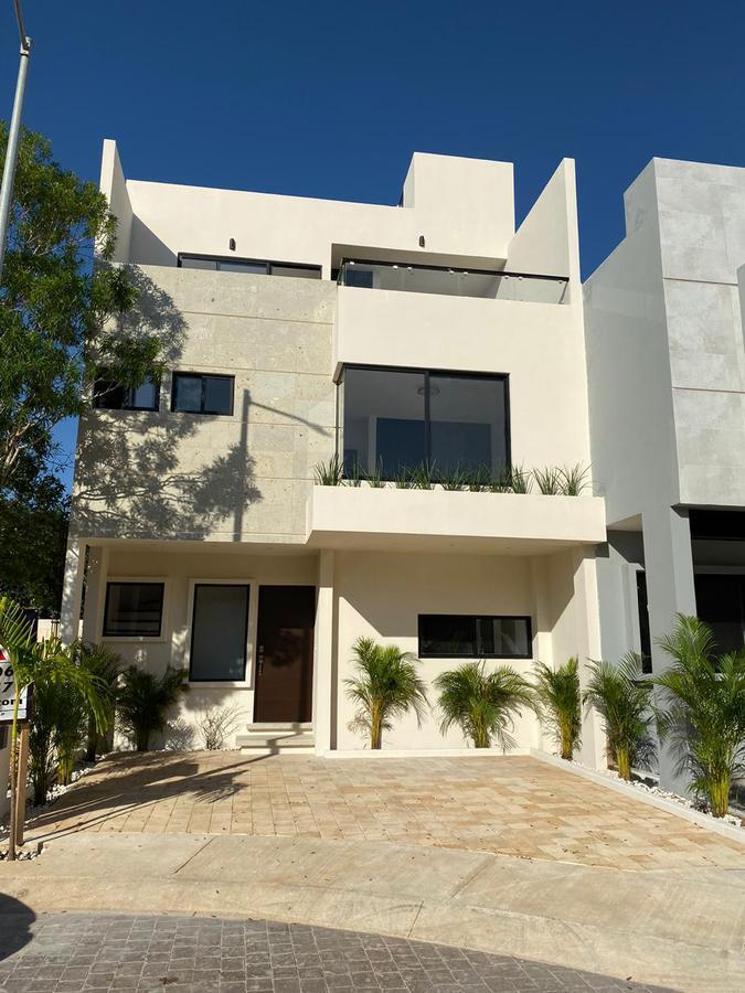 Foto Casa en Venta en  Arbolada,  Cancún  CASA EN VENTA EN CANCUN EN ARBOLADA