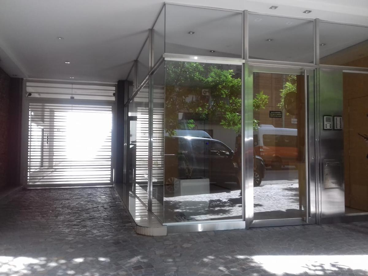 Foto Departamento en Venta en  Recoleta ,  Capital Federal  Aguero al 2300