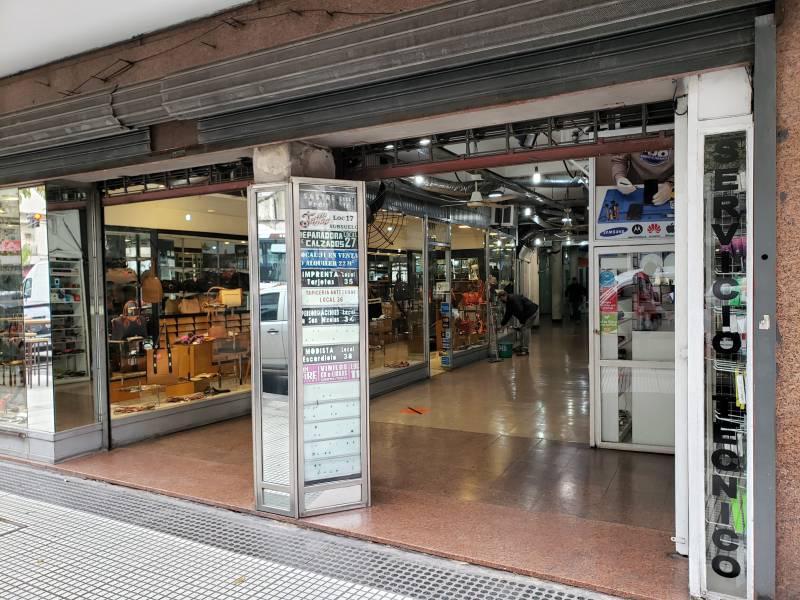 Foto Local en Venta en  Recoleta ,  Capital Federal  Avenida Sante Fe al 1400