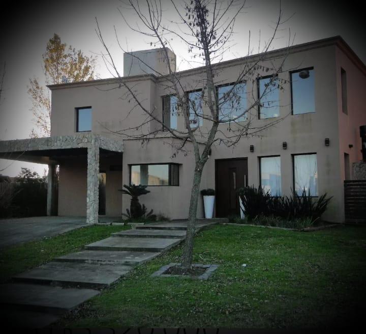 Foto Casa en Venta en  San Francisco,  Villanueva  Casa en lote interno. San Francisco. Villanueva.