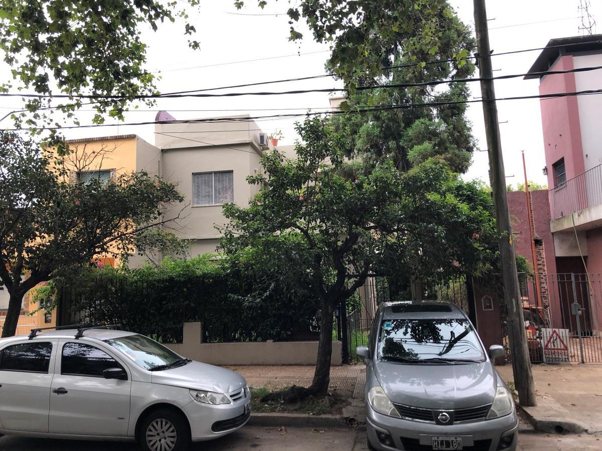 Foto Casa en Venta en  Vicente López ,  G.B.A. Zona Norte  Aristóbulo del Valle al 1200