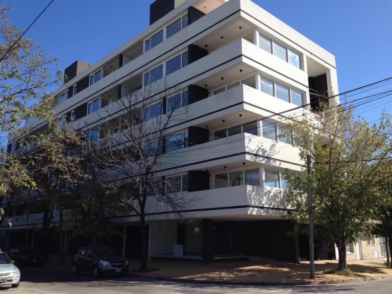 Foto Departamento en Alquiler en  La Plata,  La Plata  42 e 30 y 31 n° 1763