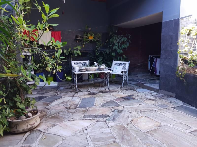 Foto Casa en Venta en  Las Heras,  Rosario  Lamadrid  al 700