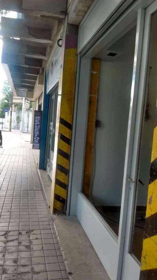 Foto Local en Alquiler en  Centro,  Cordoba  Rivera Indarte al 500